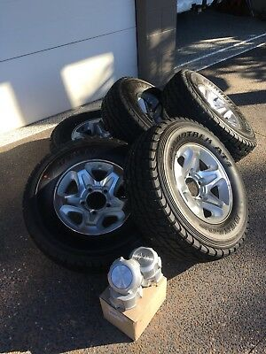Set Of 5 GXL landcruiser Alloy Wheels And Tyres