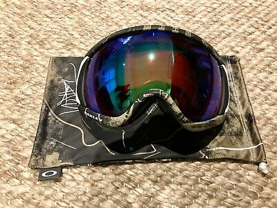 Tanner Hall Signiture Turntable Green Oakley Goggles