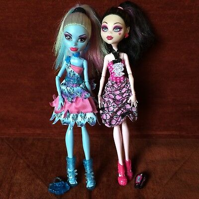Monster High Dolls Draculaura Abbey Bominable Pre-Owned Great Cond.