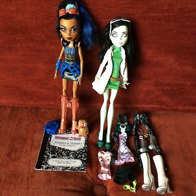 Monster High Dolls Doll - Robecca Steam & Scarah Screams - Pre-Owned Great Cond.