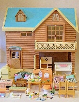 Sylvanian Families Larchwood Lodge fully furnished in vgc
