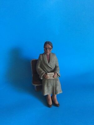 "Sarah's Attic ""rosa Parks""  Resin Figurine From Black Heritage Historical Group"