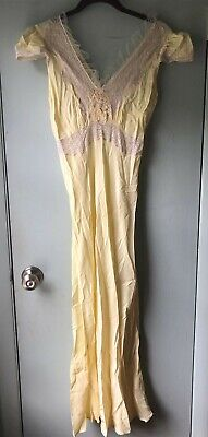 VTG Lady Edso nightgown yellow with beige lace flower applique cap sleeve long