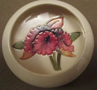 Vintage  Moorcroft Pottery Small Cream Colored Bowl With Red Iris  England