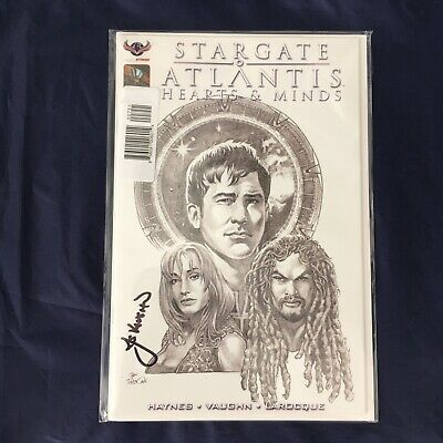 Stargate Atlantis: Hearts & Minds - Limited Signed Comic No.1 - J C Vaughn *NEW*