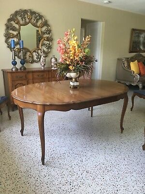 Vintage Thomasville Furniture Dining Room Set With Chairs And Side Buffet