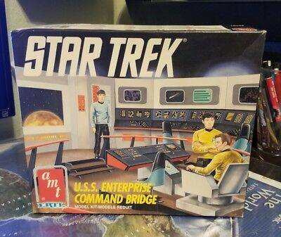 Vintage AMT 1991 STAR TREK U.S.S. Enterprise Command Bridge for parts or restore