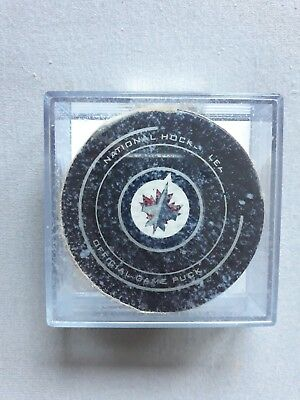 Official NHL Game Puck  Winnipeg Jets - Toronto Maple Leafs Goal Puck