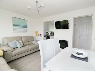 Modern Light & Airy Chalet Holiday Rental California Beach Great Yarmouth