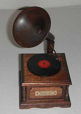 """Vintage San Francisco Music Box Co.   Wooden GRAMAPHONE  MUSICALE """"EVER GREEN"""""""