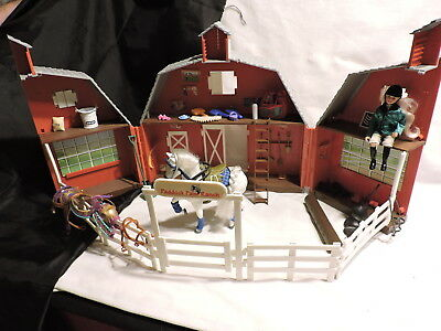 Breyer Paddock Pals Stable Barn Carry Casewith Fence Gate Accessories