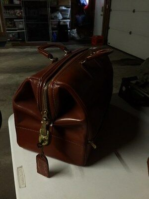 Vintage Mutual Leatherdoctor's bag with lock
