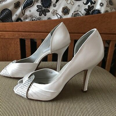 Liz Rene Couture White Satin Rhinestone Open Toe Bridal Shoes size 7