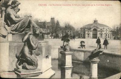 10947183 Troyes Boulevard Gambetta le Cirque Fontaine Argence
