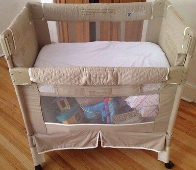 ARM'S REACH CO-SLEEPER - Very Good CONDITION Neutral color Philadelphia Pick Up