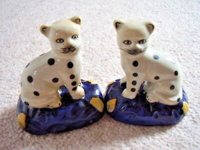 Collectable Staffordshire Pottery Seated Cats  figure-ornament,Pair of Figures