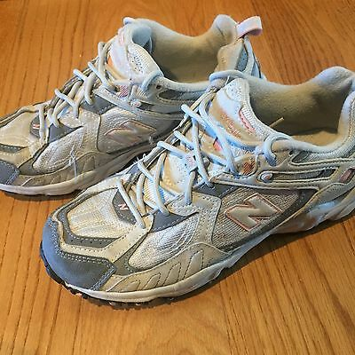 30525b62a6a3 NEW BALANCE Womens Running Athletic Gym Shoes Size 7.5 Lightweight Gray  Pink EUC