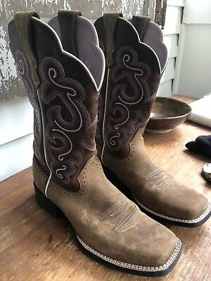 d8dfca56d3b ARIAT Women s Quickdraw Square Toe Western Boot Badlands Brown 10006304  Size 8.5
