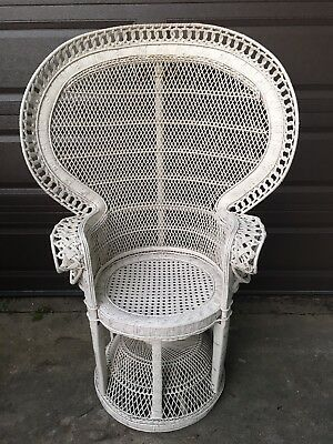 Vintage White Wicker Rattan Peacock Chair High Fan Back CHICAGO LOCAL PICK  UP
