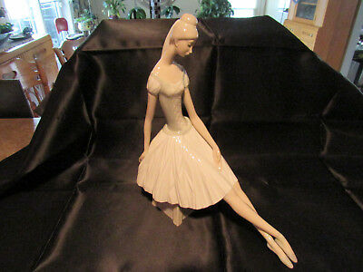 """Nao By Lladro Figurine Balerina 13 1/2"""" Made in Spain Mint Cond"""