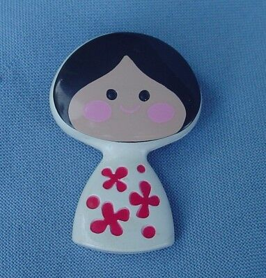 Vintage 1970 Avon Small World Fragrance Glace Girl Pin Pal Great Condition!