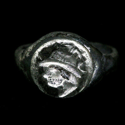 Greco-Bactrian silver ring with bust of a male ruler x9438