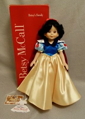 """BETSY McCALL SNOW WHITE 14"""" Doll + 1999 DISNEY CONVENTION PIN - TONNER SIGNED"""