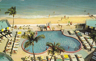 USA Ivanhoe Bal Harbour Miami Beach Schwimming Pool Sonnenliegen Strand