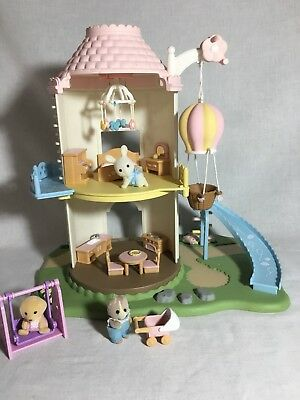Calico critters/sylvanian families Primrose Baby Windmill Playhouse & 3 Babies