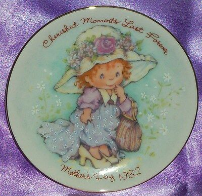 Estate Collectable Avon Gold Rimmed Mother's Day 1982 Display Plate Vintage