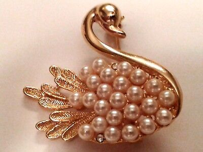 Vintage Gold Tone Faux Pearl & Rhinestone Figural Swan Brooch Pin Nice Condition