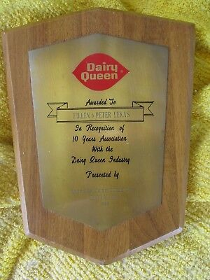 Ad American Dairy Queen Corp wood service award ice cream Mi 60s metal wall sign