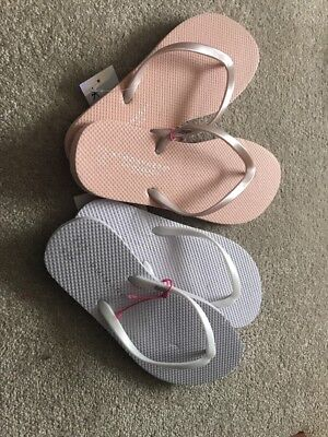 feb6faa3c26e00 40 Mixed Size White And Pink Wedding Flip Flops for Dancing Shoes Baskets