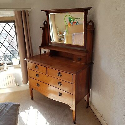 Stunning Oak Arts And Crafts Dressing Table