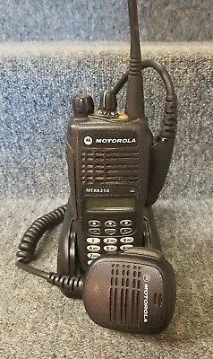 Motorola MTX8250 Radio 800 Privacy Plus AAH25UCH6GB6AN Very GOOD w/Impres