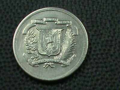 DOMINICAN    10 Centavos   1978   ,   $ 2.99  maximum  shipping  in  USA