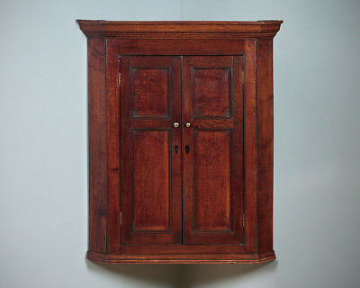 Antique Georgian Oak Flat Front Corner Cupboard c.1800.