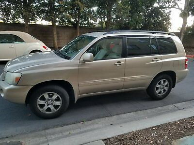 2004 Toyota Highlander Base 2004 toyota highlander in excellent condition