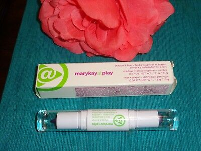 Mary Kay At Play Shadow and Liner ICED LILAC Eyeshadow & Liner ICED LILAC Purple