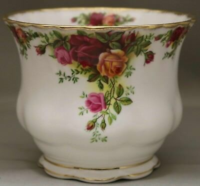 "Royal Albert - Large Pot - ""Old Country Roses"" - Very rare shape - English-made."