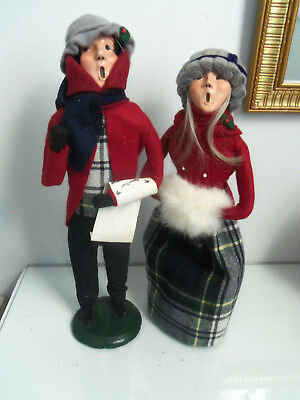 Byers Choice Vintage 1982 Bumpy Base Traditional Woman and man Caroler