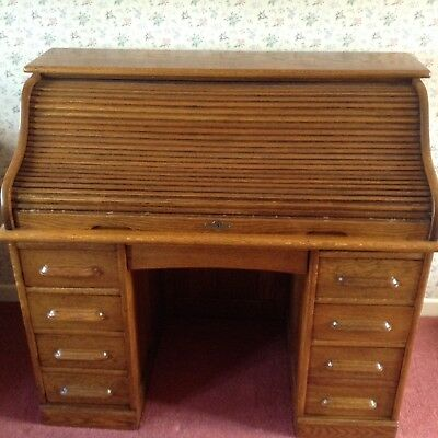 Antique Oak Roll Top Desk circa 1916, good condition