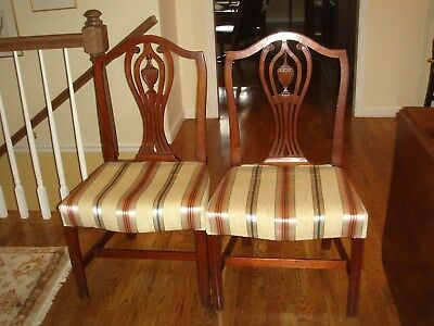 Pair Of American Chippendale Hepplewhite Transitional Mahogany Chairs Circa 1790
