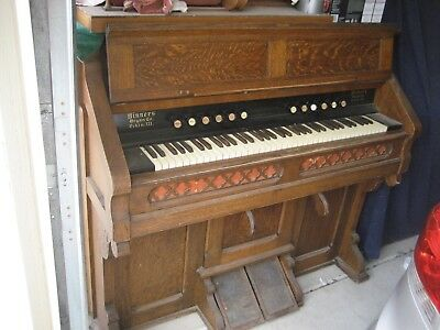 RARE 1900 Antique tiger oak Hinners Church reed pump organ. 6 Octave, 308 reeds