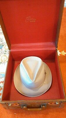 "Vintage  ""Stetson 100""  Hat Fedora Size 5/8  with leather carry case !!!"