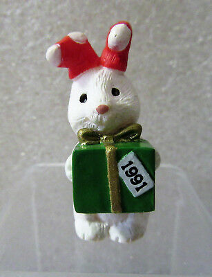 1991 Hallmark Merry Miniatures Rabbit with Present Gift Figurine