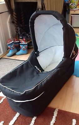 Out and About Nipper Double Carrycot Raven Black