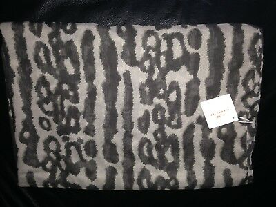 NWT Coach F85002 Ocelot scarf in black and grey