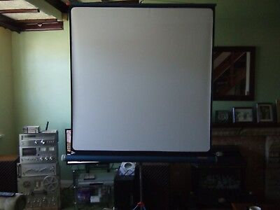 Pojector screen free standing used