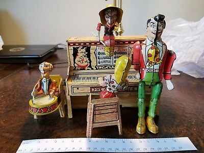 Rare Antique toy 1940s Lil Abner & Dogpatch Band Wind-Up Tin Toy Little Abner